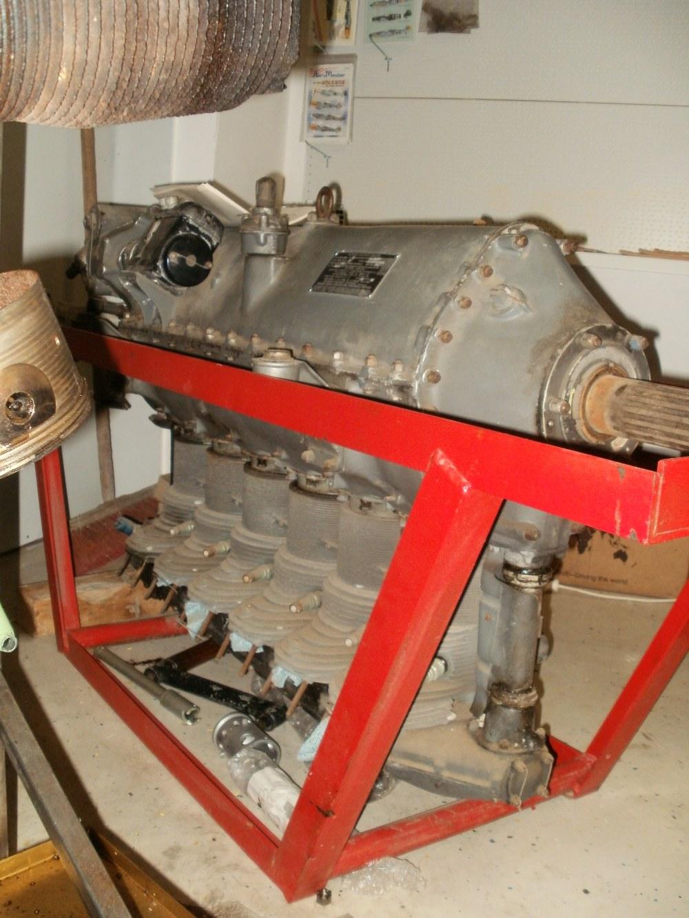 Dies ist ein Fairchild L440 'Ranger' , wie er in den 40er Jahren beispielsweise in der Fairchild PT-19 eingestzt war. Der Motor wird nach dem Umläufer generalüberholt. Eine Verwendung ist seither noch nicht geplant.