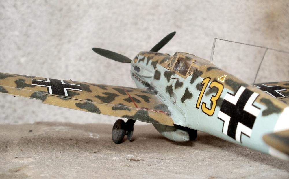 Bf 109 der 3. Gruppe des Jagdgeschwaders 27. 1942 in Lybien - Nord Afrika - Hasegawa 1/48