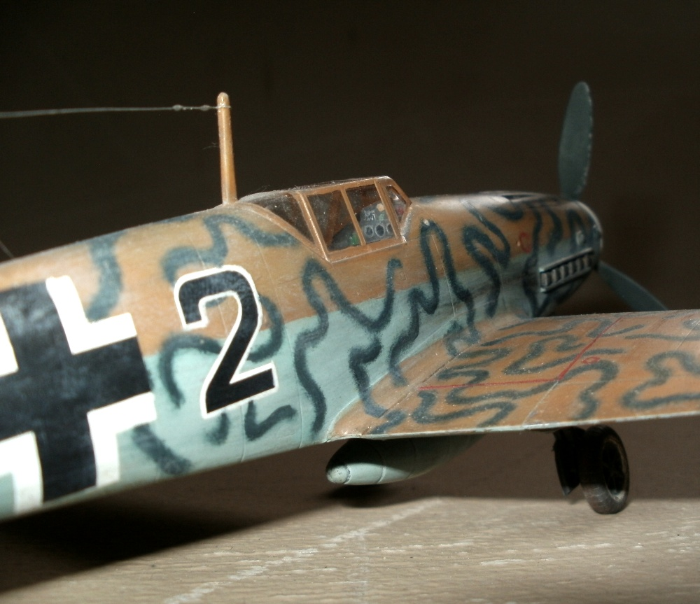 Me 109 G6 in der Tropenversion. Geflogen so in der 1. Gruppe des Jagdgeschwaders 77. 1943 in Tunis - Nord Afrika - Hobby Craft 1/48