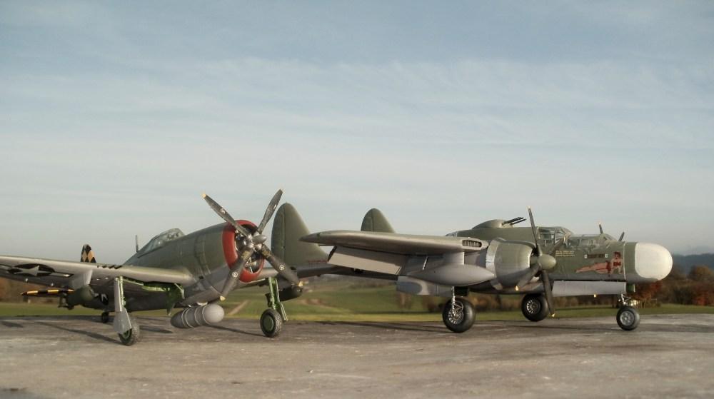 Als erstes für die Nachtjagd entwickeltes Kampfflugzeug ging die Northrop P61 'Black Widdow' (Schwarze Witwe) in Produktion. Modell des Flugzeuges von Monogram im Maßstab 1/48