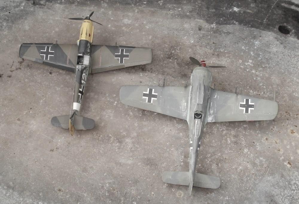 Groessenvergleich der Bf 109 und der Fw 190. Die Bf 109 E7 ist das Modell von Hasegawa in 1/48 während die Focke-Wulf das Modell von Monogram aus den späten 1970ern ist.