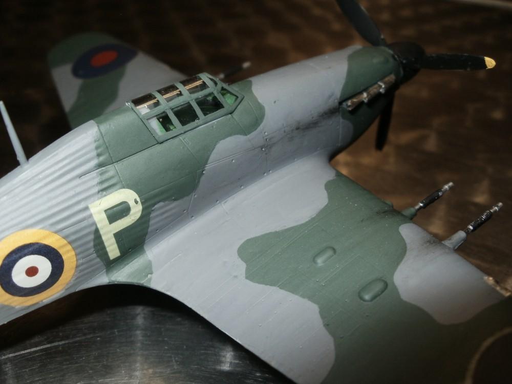 Hawker Hurricane von Hasegawa im Maßstab 1/72. Gebaut von Finn Engels - 6 Jahre - mit Papas Unterstützung.