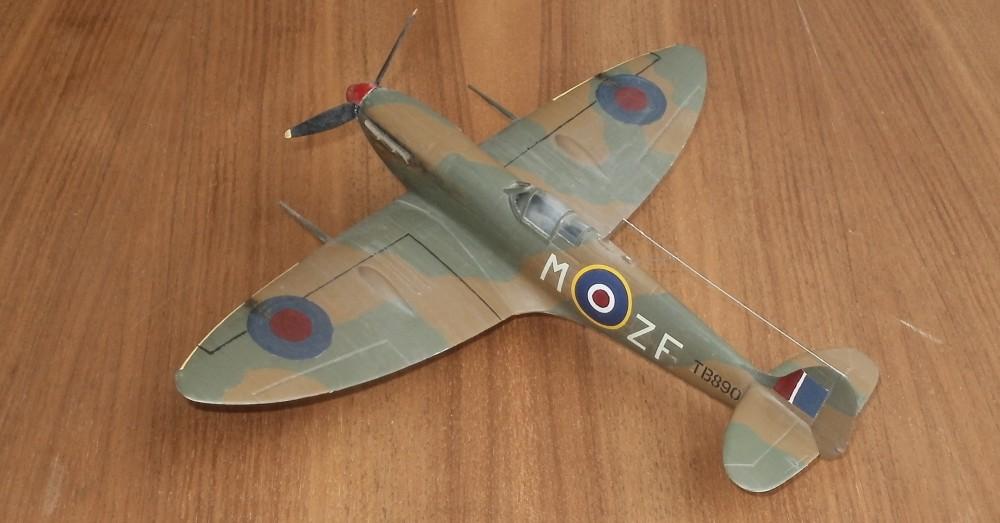 Supermarine Spitfire von Revell in 1/48.