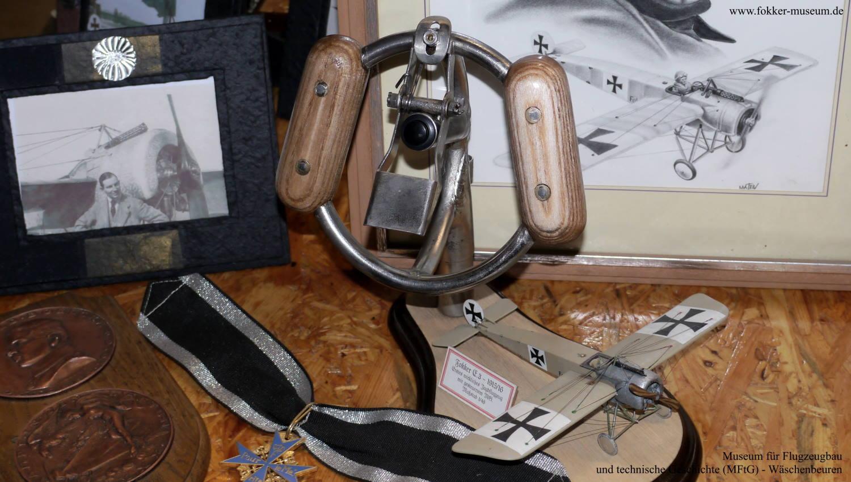 Engels E.3 (Fokker D.7) - Steuerknüppelgriff