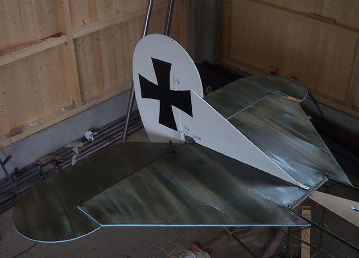 Engels E.3 (Nachbau der Fokker D.VII)- Leitwerk