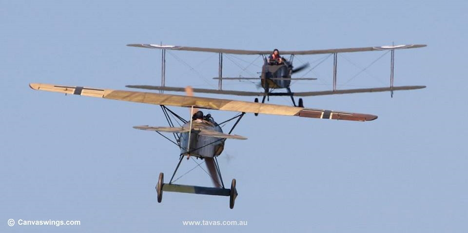 Engels E.6 (Replica of the Fokker D.VIII) hunting down the Bristol Fighter.